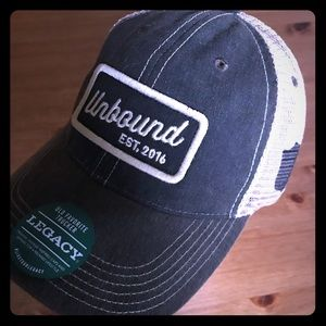 NWT Legacy Unbound old style trucker snap on hat